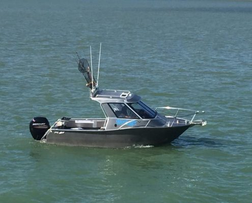 The FC 620HT (Hard Top) Boat is fantastic for offshore fishing and diving trips. With its exceptional stability, power and protection from the elements, you'll be able to spend the entire day on the ocean exploring new grounds comfortably and safely in this quality aluminium boat.