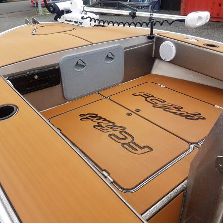 FC 430cc (Centre Console) is an extreme all rounder boat built for the ultimate maximum fishing room, for soft bait or jigging. FC aluminium boats are recognised as extremely safe and stable boats for family recreation, fishing and diving.