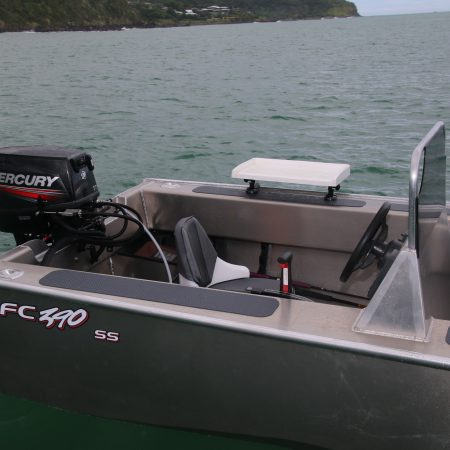The FC 390ss (Side Steer) is an alloy tinny boat designed to be safe, stable and an economical craft that has a great profile and is a great alternative to a fibreglass boat. This Aluminium boat is easily handled by a single person, as well as being versatile and safe enough to accommodate up to four people as a great alloy fishing boat.