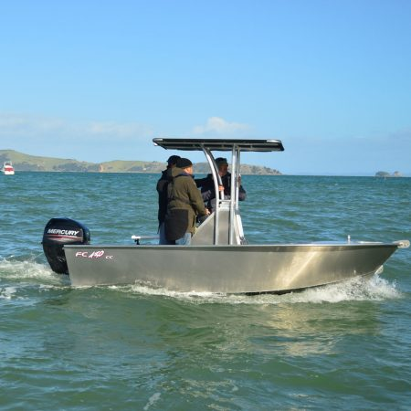 FC 430cc (Centre Console) is an extreme all rounder boat built for the ultimate maximum fishing room.