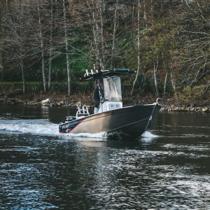 The FC 465cc (centre console) is an extreme all-rounder boat, built with ultimate maximum fishing room for soft bait or jigging.